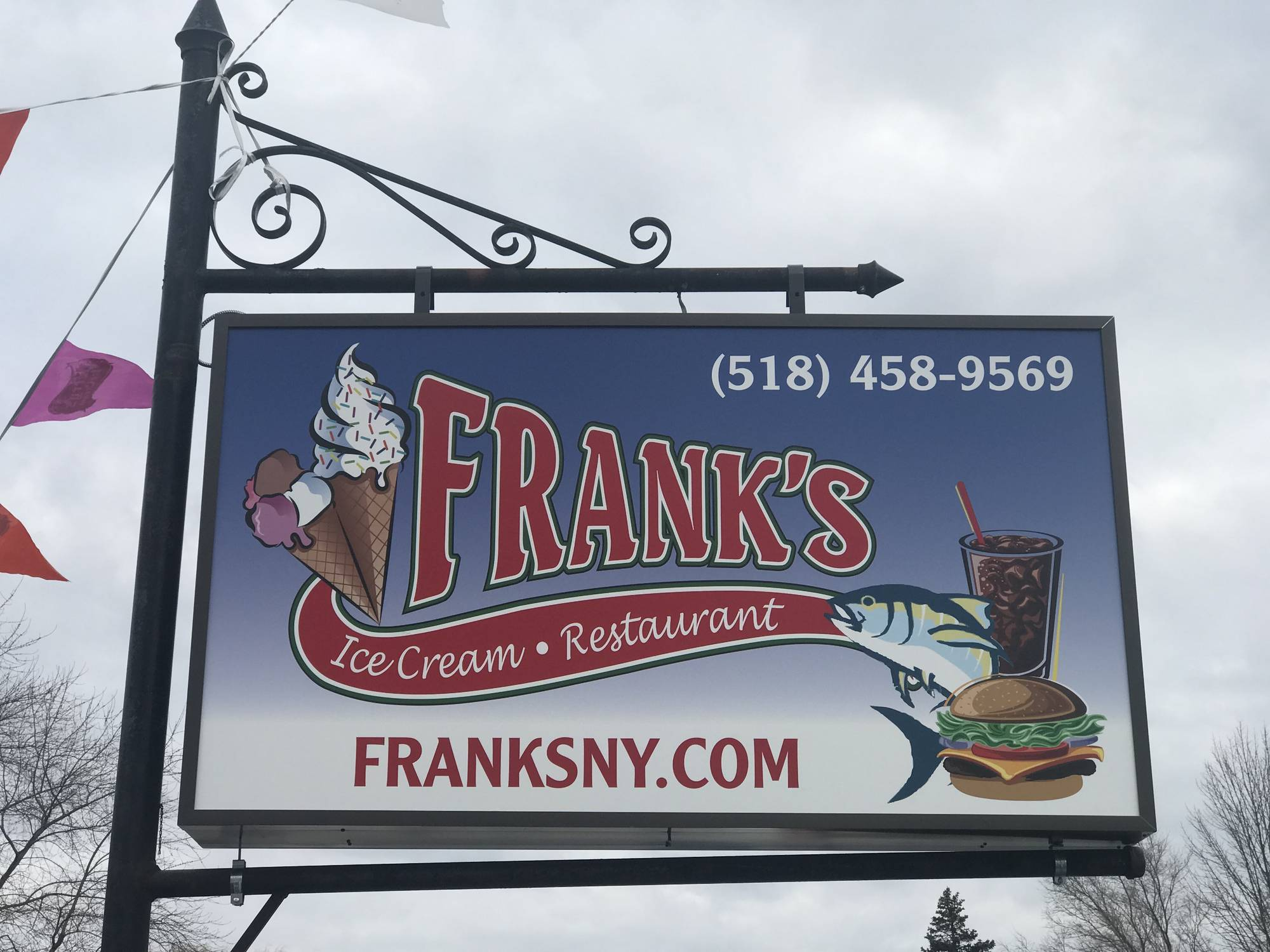 franks ice cream restaurant-front